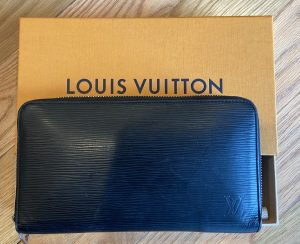 Louis Vuitton Black Zippy Epi Wallet